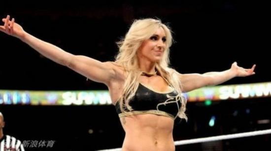 福莱尔的身材十分火辣-勒夫钓上WWE美女摔跤手 这身材他扛得住吗高清图片