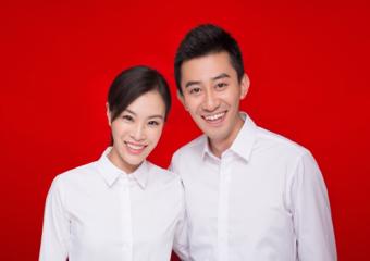 吴敏霞与老公领取结婚证 秀出定制版皇后钻戒