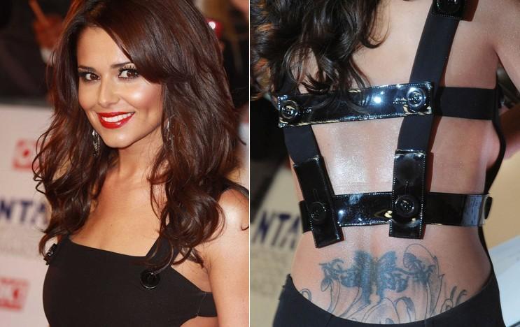 身前妻_英超球星科尔的前妻谢莉尔出席某颁奖礼,身着黑色露背装亮相,腰部