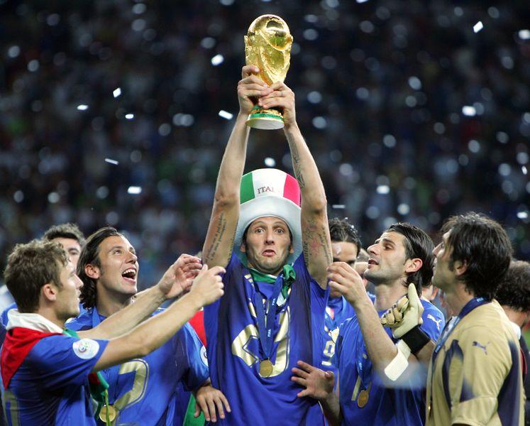 06年世界杯冠军现状:因扎吉退役 皮尔洛仍是大