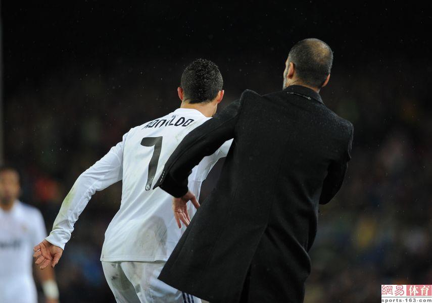 梅西/C罗将设计男士内衣裤 皇马球迷眼中他已不如梅西