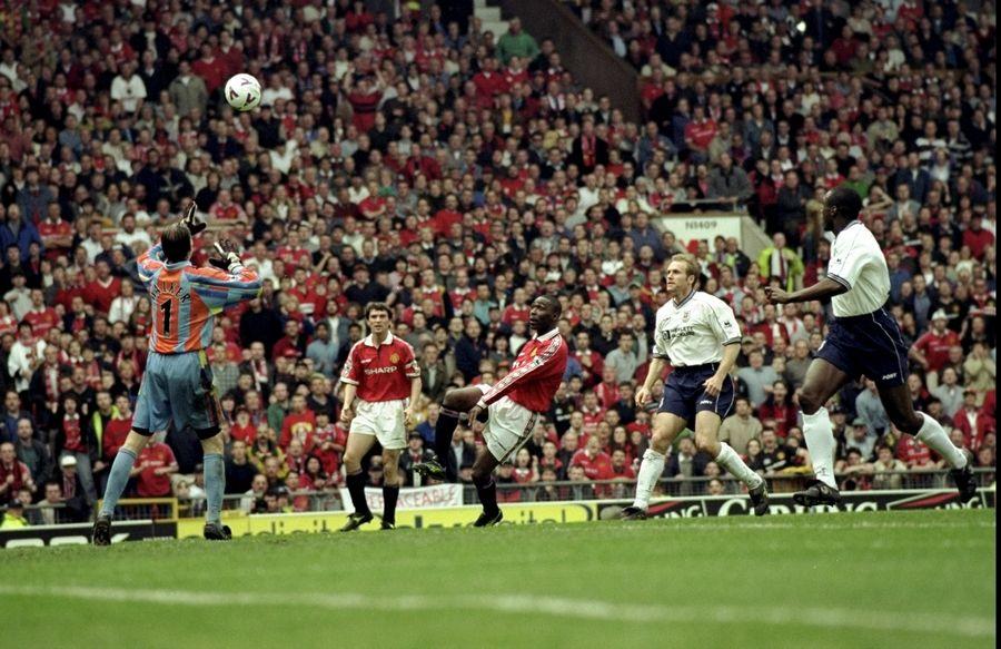 安德森 罗杰斯 科尔/安迪/科尔是曼联在上世纪90年度后期称霸英超最犀利的进攻武器...