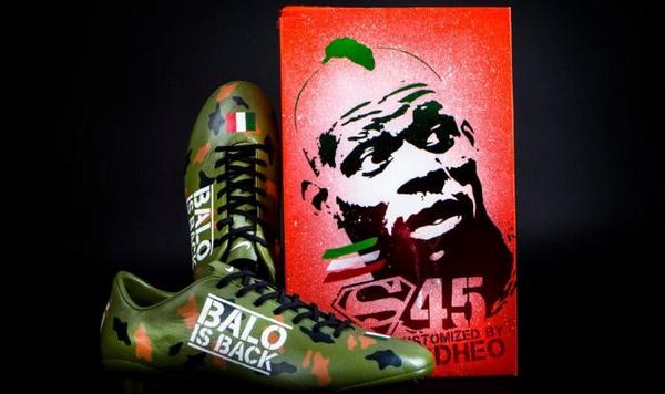 艺术家diy战靴致敬巴神 迷彩配色如超人