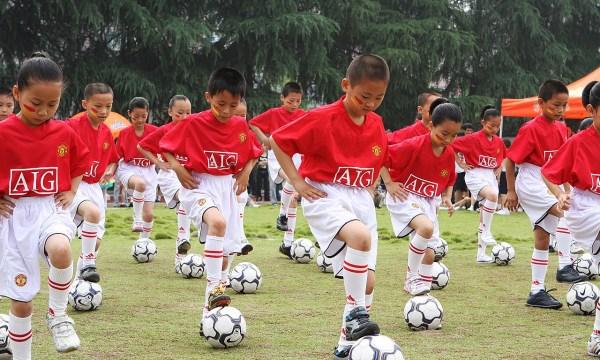 我的理想足球运动员】  日本调查男孩未来梦想 足球运动员连续3年排第图片