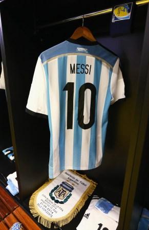 梅西:阿根廷应该踢得更好 伊朗主帅:点球未判