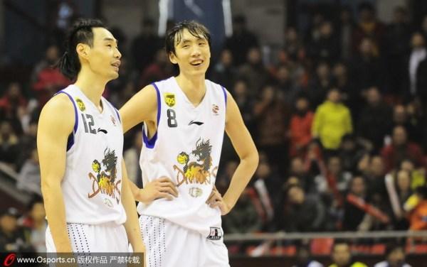 唐正东/尽管江苏南钢队总经理黄有才声称,球队将尽力匹配挽留这名老将...