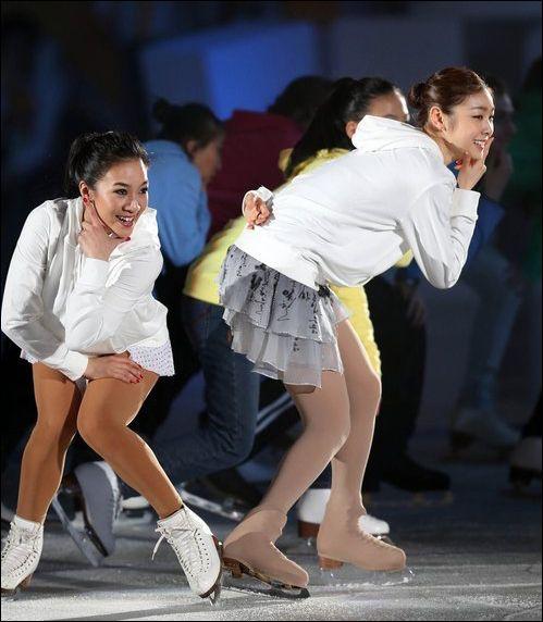 排球:冬季特奥骑马金妍儿关颖珊同跳上去舞组图摸高怎么v排球不闭幕图片