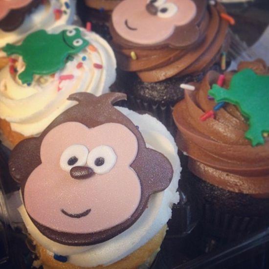 男友过生戴利送猴子蛋糕 留言迫不及待想见面