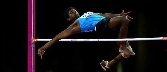 印度选手残奥会上穿拖鞋跳高 勇夺银牌