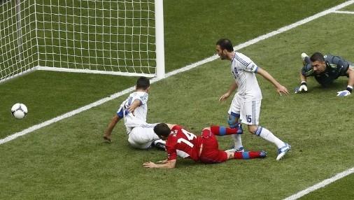 欧洲杯A组:捷克2-1希腊