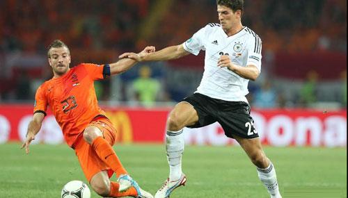小猪两送妙传助戈麦斯两球 德国2-1荷兰