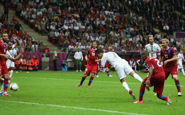 C罗头球绝杀 葡萄牙1-0捷克进四强